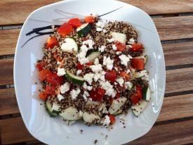 Linsen-Quinoa-Pfanne mit Feta – Vegetarisch mit viel Eiweiß